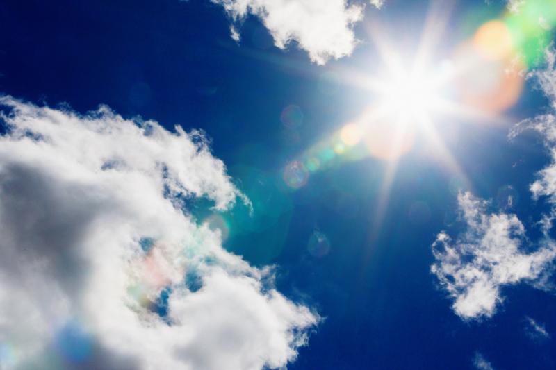 Blue sky, skies, sun, sunny, warm weather, sunlight, temperatures, heat, clouds, sun
