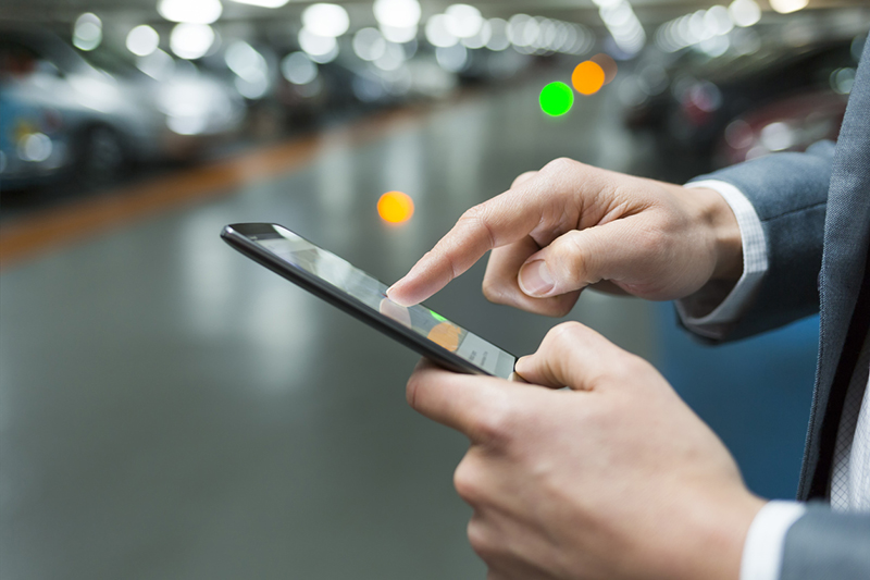 mobile phone, smartphone, cars, parking lot, hands, man, app, mobile carwashing
